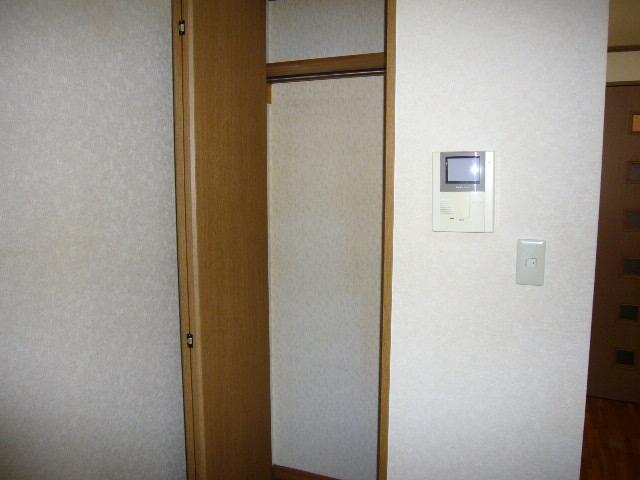 コーポ桑の実 103号室の収納