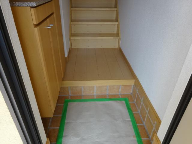 ルミナス・M 02030号室の玄関