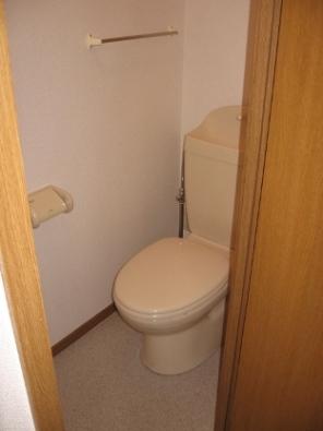 メゾンフロレスタ 02030号室のトイレ