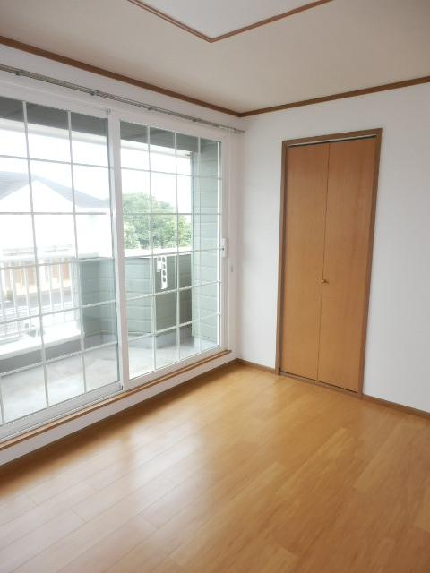 カーサ参番館 02030号室の居室