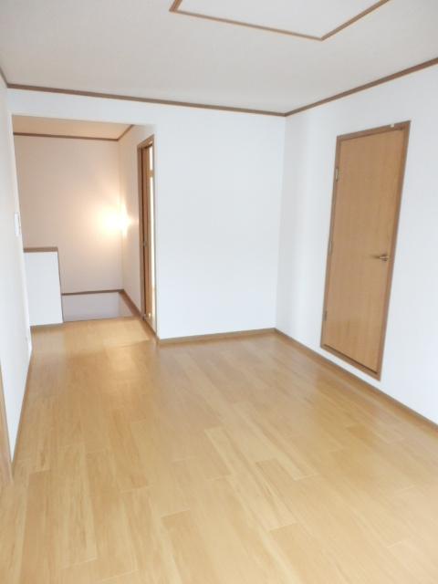 カーサ参番館 02030号室のリビング