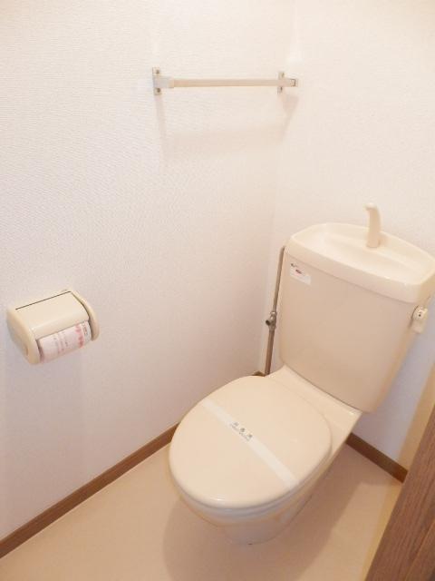 カーサ参番館 02030号室のトイレ