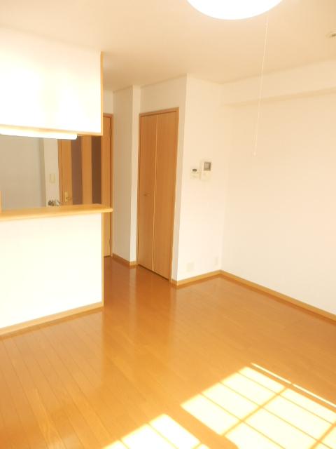 ゲネオス カルディアー 02030号室のリビング