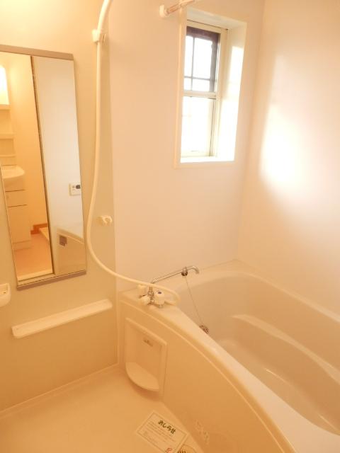 カーサ六番館 02010号室の風呂