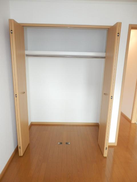 カーサ六番館 02010号室の収納