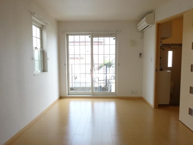 ルミナスM6 B 01020号室の居室