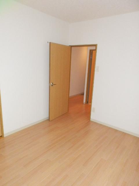 ロジュマン本郷B棟 02020号室の居室