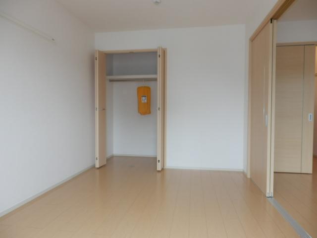 ヴィオラ 02020号室の収納