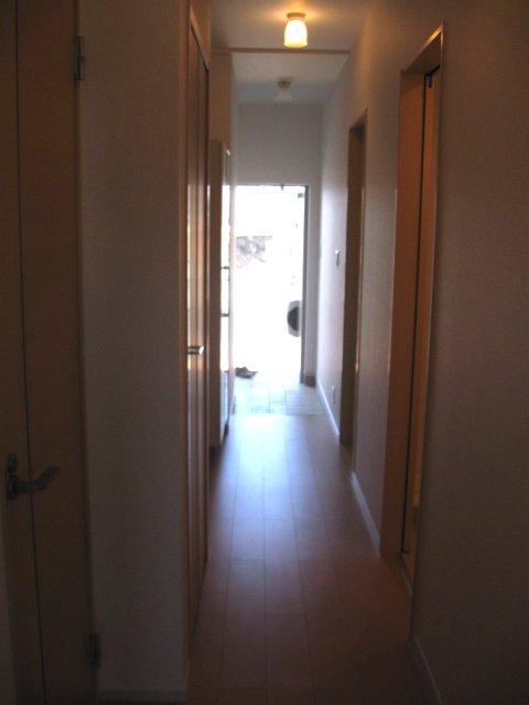 ヴェルデ向陽Ⅲ 01010号室の玄関