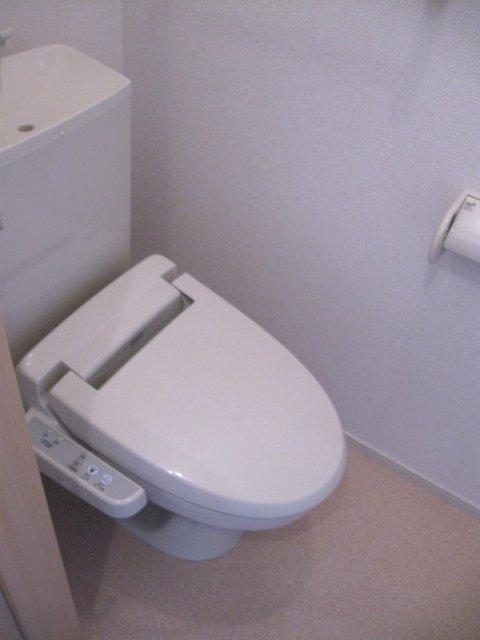 ヴェルデ向陽Ⅲ 01010号室のトイレ