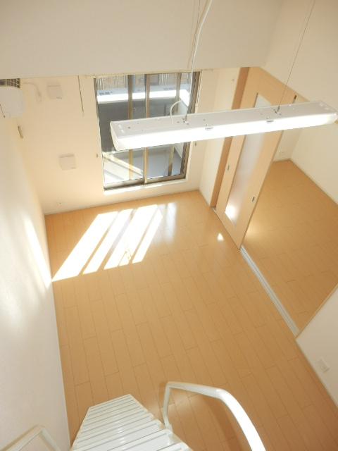 ヴェルデ向陽Ⅱ 02030号室のリビング