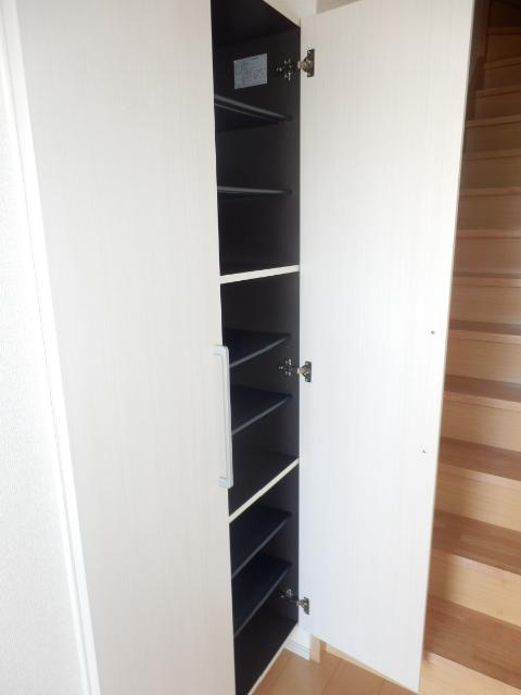 ヴェルデ向陽Ⅱ 02030号室の玄関