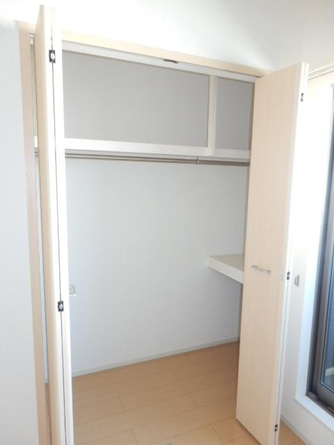 ヴェルデ向陽Ⅱ 02030号室の収納