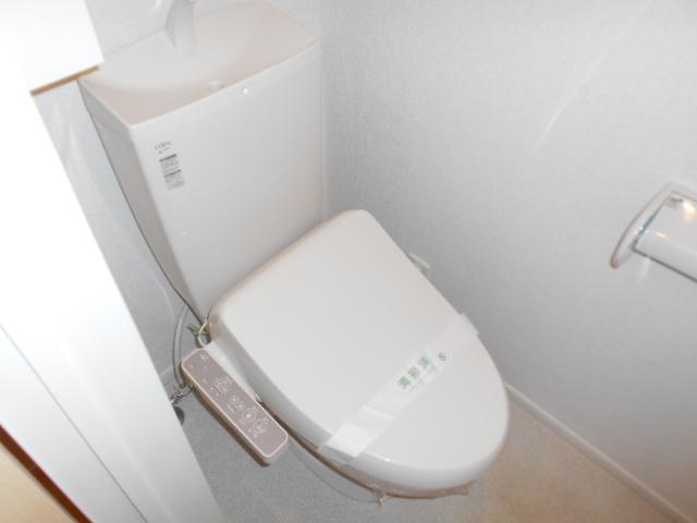 アルモニー・メゾン 01020号室のトイレ