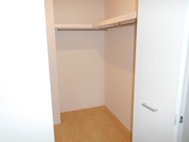 アルモニー・メゾン 01020号室の収納