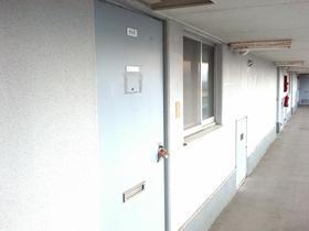 シルバープラザビル 505号室のエントランス