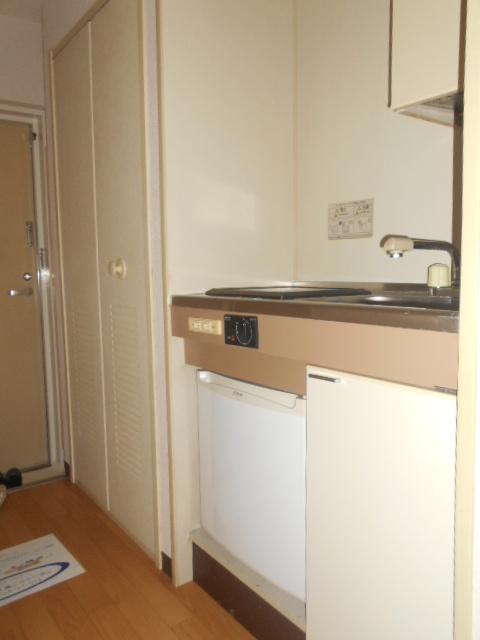 ジョイフル大和南 107号室のキッチン