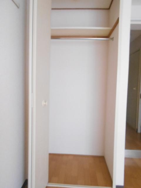 ジョイフル大和南 107号室の収納