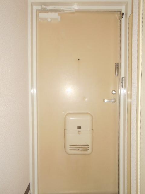 ジョイフル大和南 107号室の玄関