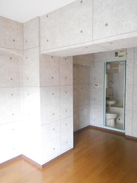 パールハイツ 201号室の居室