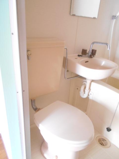 パールハイツ 201号室のトイレ