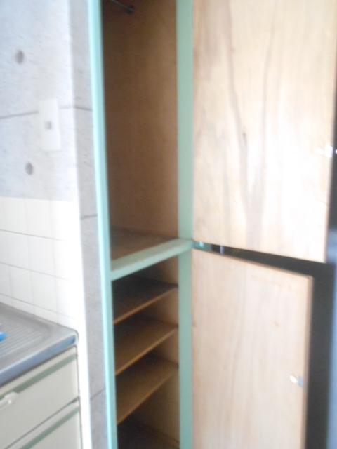 パールハイツ 201号室の収納