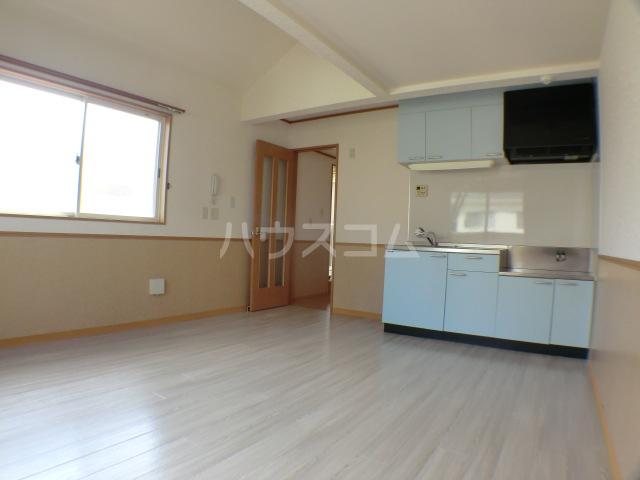 ペロー壱番館 202号室のキッチン