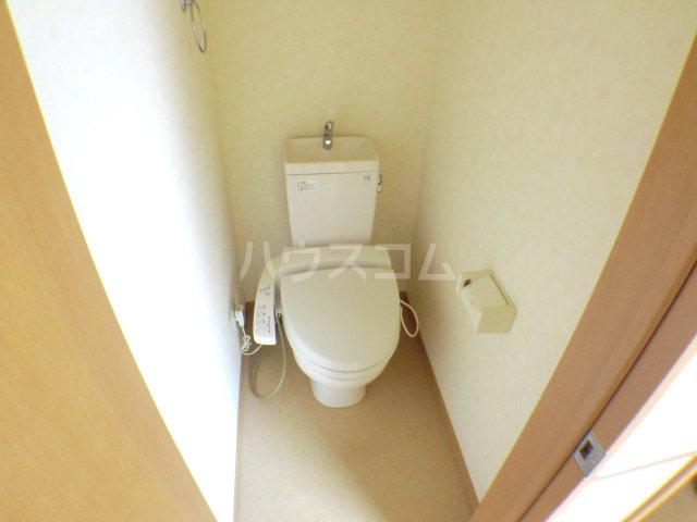 ペロー壱番館 202号室のトイレ