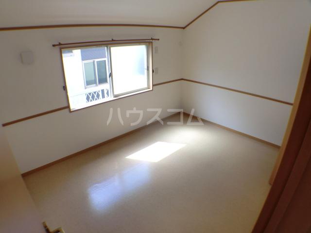 ペロー壱番館 202号室の居室