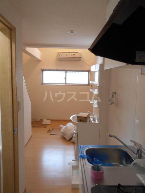 LIEN芝中田 203号室のリビング