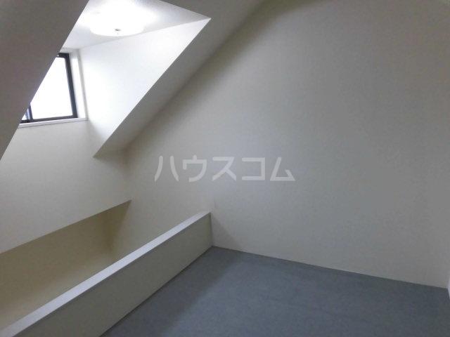 エステート丸山 203号室の居室