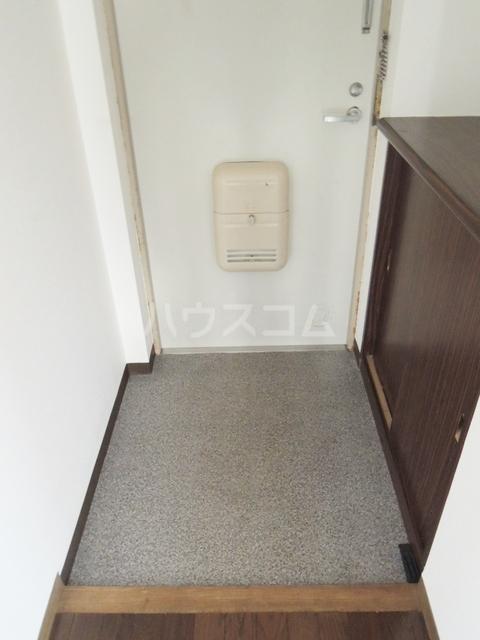 シルクフォルム 215号室の玄関