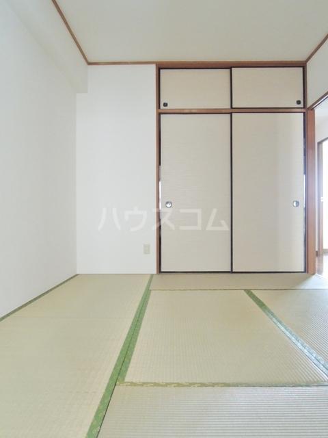 シルクフォルム 215号室の居室