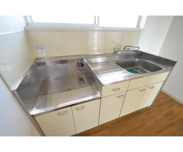 エステートピアSUN 202号室のキッチン