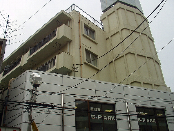 正興鶴瀬駅前マンション外観写真