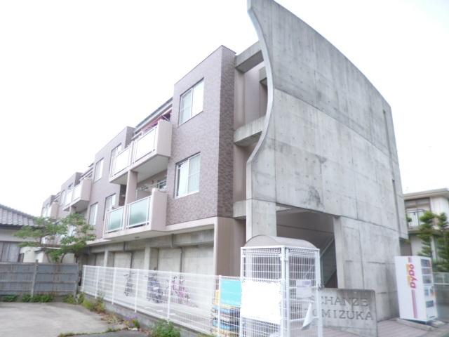 シャンツェ富塚外観写真