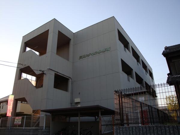 ラブリーハウスⅢ番館外観写真