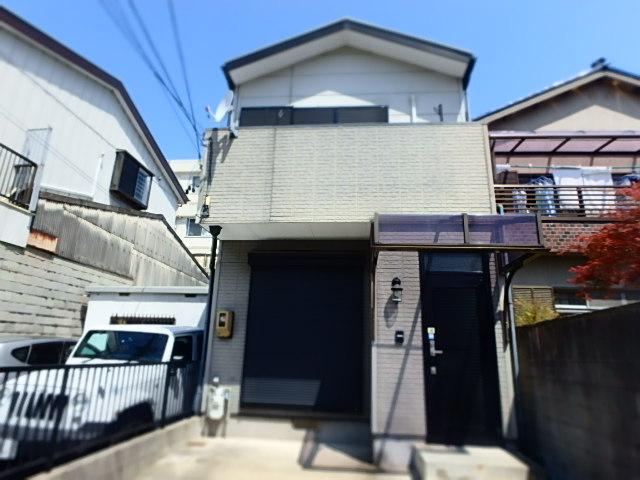 高坂三ツ屋町貸家外観写真