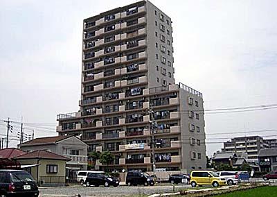 丸美ロイヤル中川原外観写真
