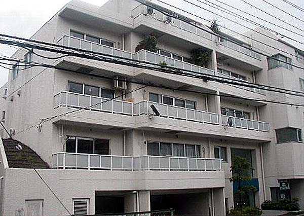磯子タウンハウス外観写真