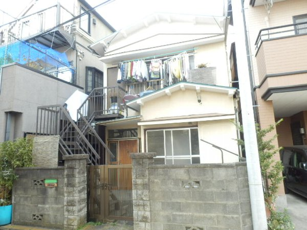 井土ヶ谷中町アパート外観写真