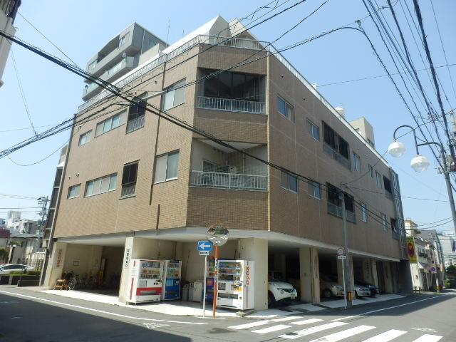 新宿マンション外観写真