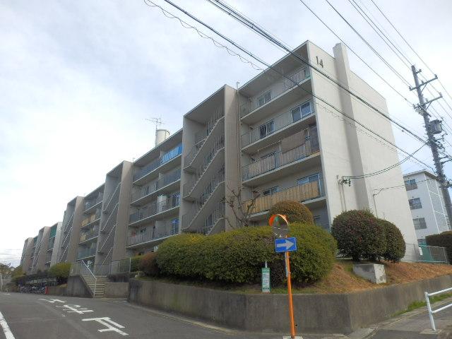 桃山住宅14棟外観写真