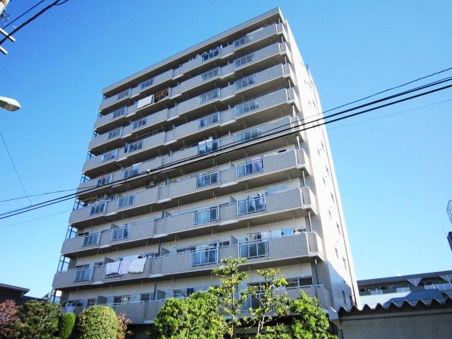 チェスターハウス川口外観写真