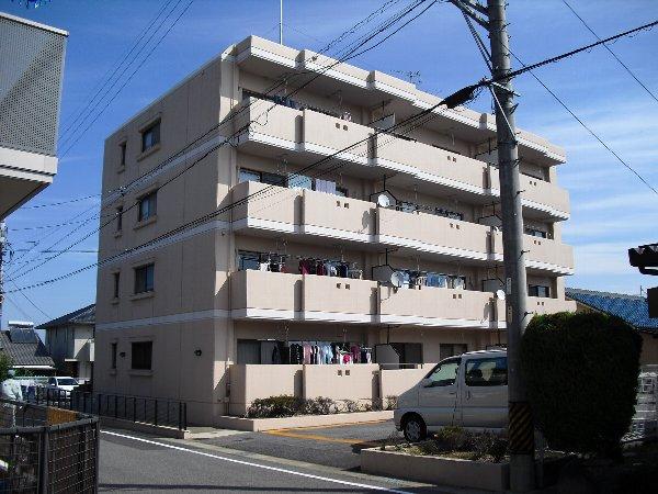 平山グランドマンション外観写真