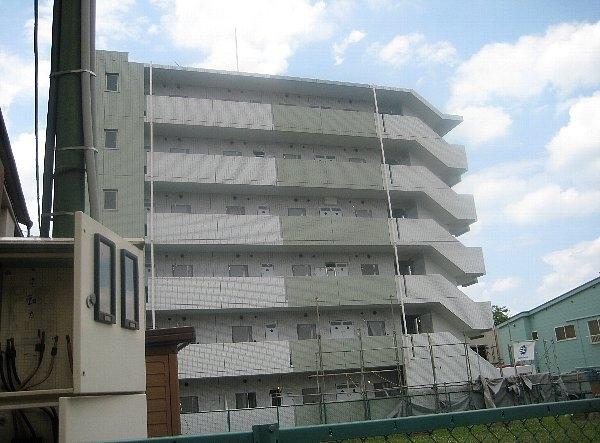 コスモリード十条駅前外観写真