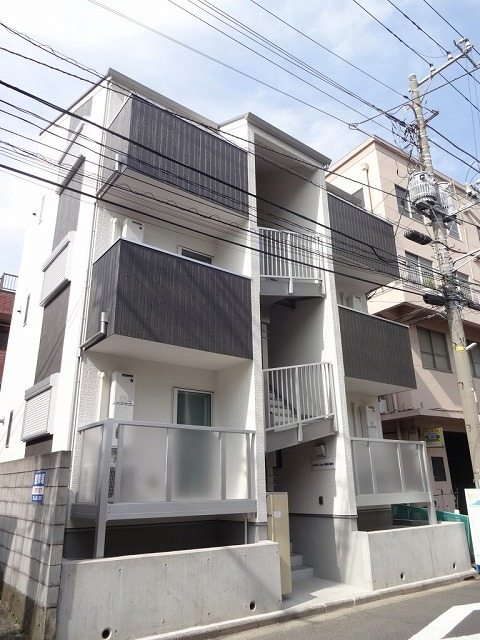 リーヴェルLeco神奈川新町外観写真