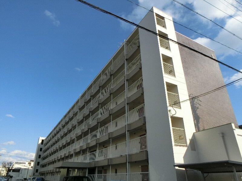 上社南住宅5号棟外観写真