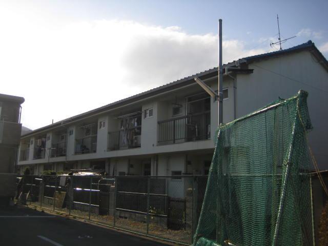 松山マンション外観写真