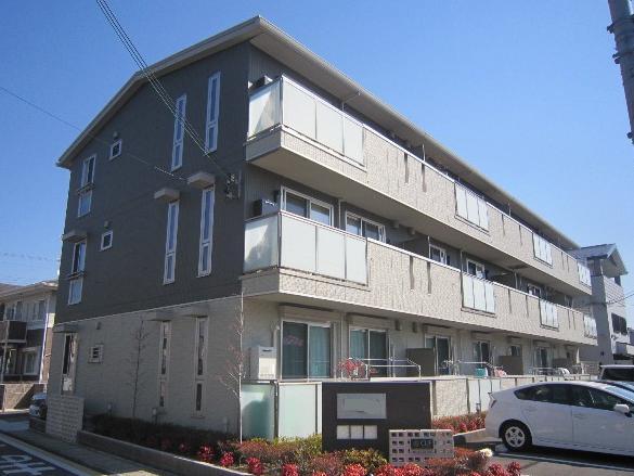 アドミラブールA棟外観写真